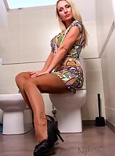 Hottest toilet