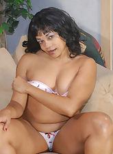 Ebony MILF sucking