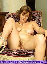 Sexy Mature masturbating