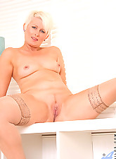 Hot Anilos pink